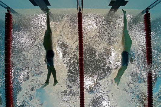 arrivo gara stile libero nuoto swimmershop Finis
