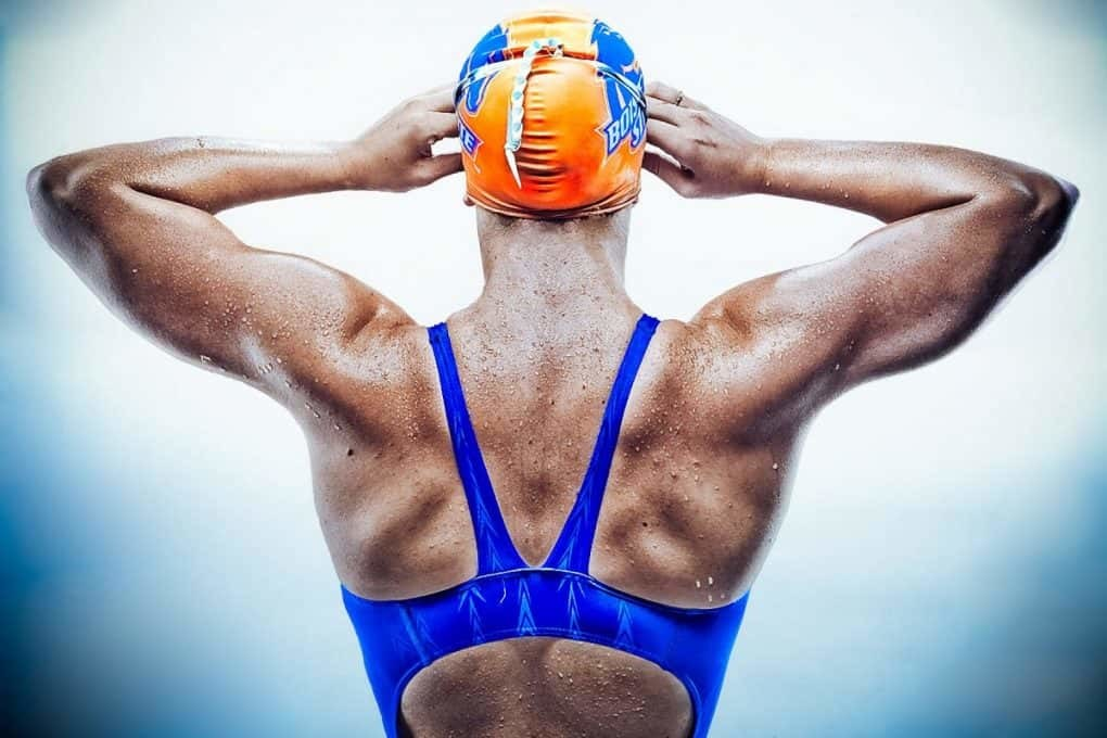 Nuotare sviluppa i muscoli